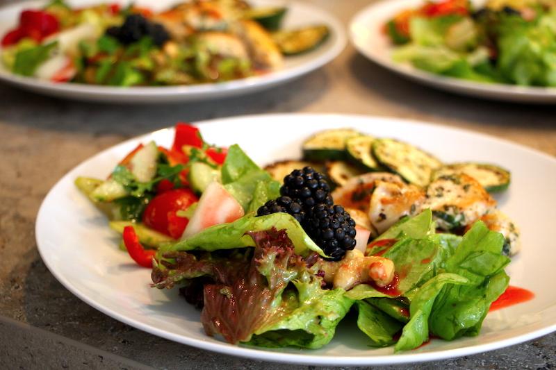 Hühnchen mit zweierlei Salat