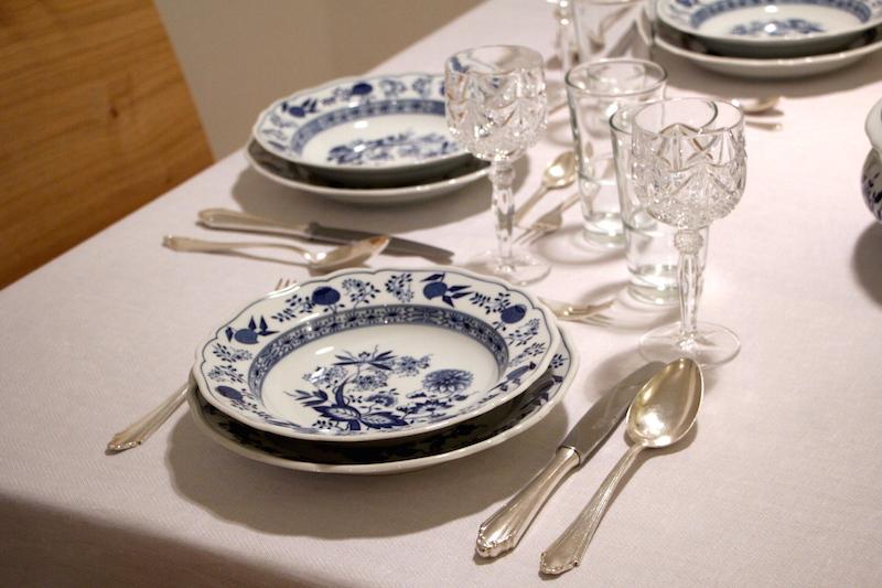 Geschirr blau-weiß