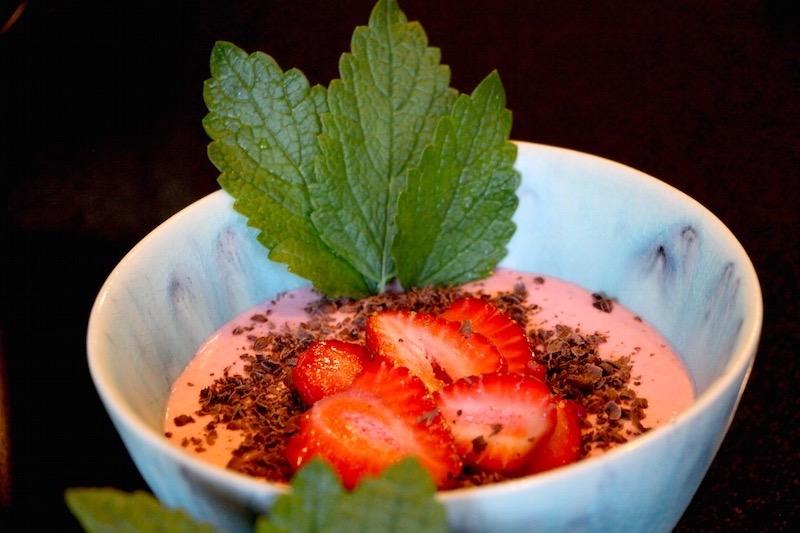 Joghurt mit Erdbeermus