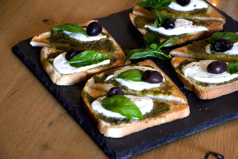 Toast mit Mozzarella